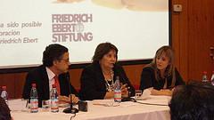René Cortázar junto a Manuela Gumucio y Bet Gerber