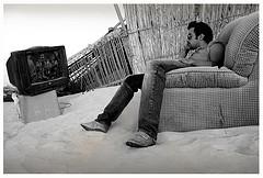 tv exterior joven