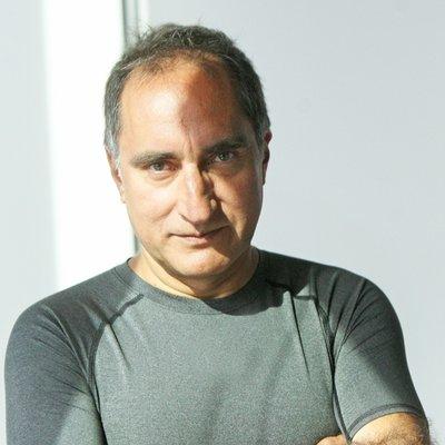 Profesor y periodista, Luis Breull