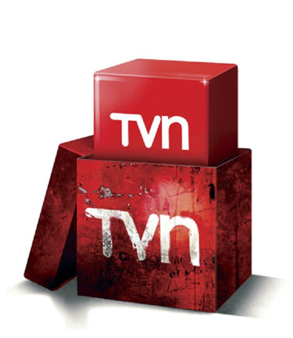 Mientras Presidenta de TVN, en su cuenta anual ante el Senado, hablaba del pluralismo, Lavín ocupada  la pantalla como  «experto previsional»